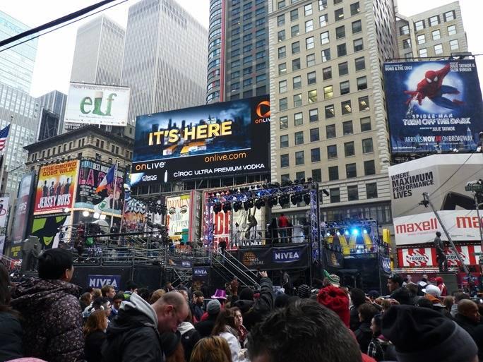 Главная Площадь Нью Йорка в кануне Нового 2011